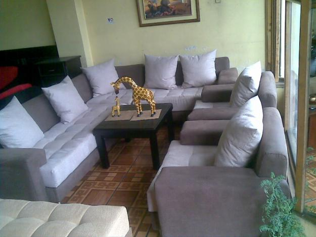 El palacio del colchon sala moderna madrid for Cobertores para muebles de sala