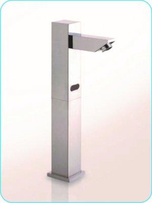 Grifo de sensor para lavamanos 3