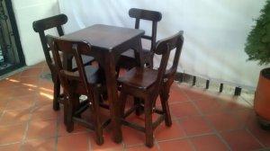 mesa y sillas en madera pino cipress