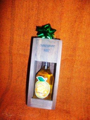 Licor en caja de madera 50 ml